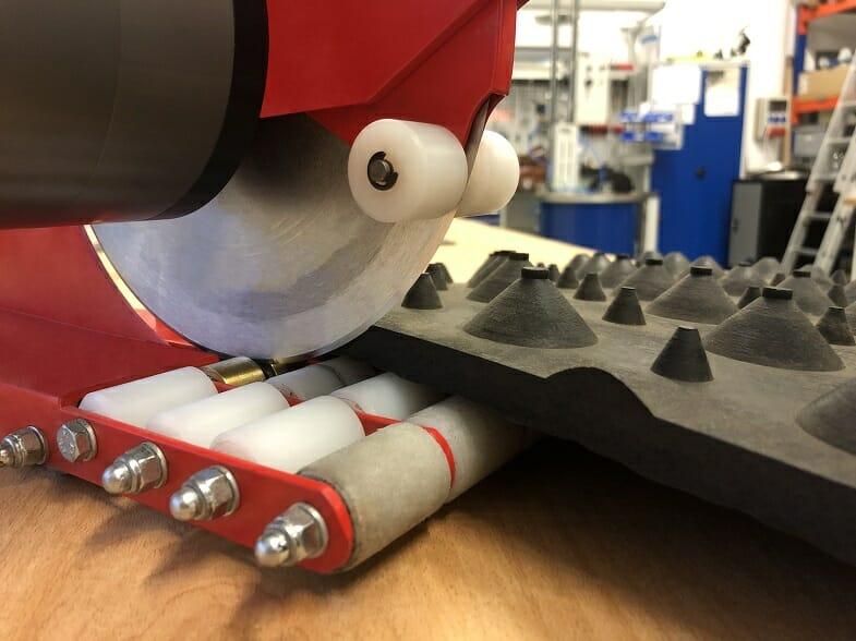 Gummischneidemaschine mit PTM Druckluftmotor