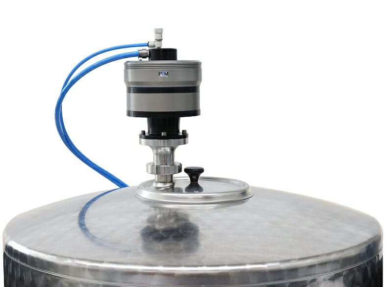 PTM Rührwerk mit Milchgewinde auf Edelstahltank für Lebensmittel und Chemie